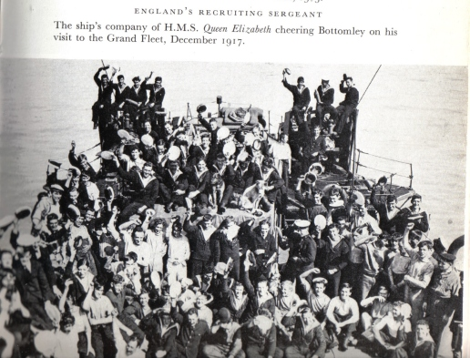 Bottomleys crowds - December 1917